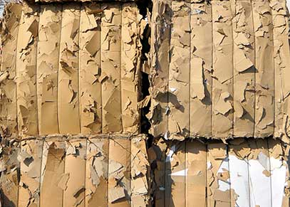 Stockage de balles de cartons chez Paprec Recyclage